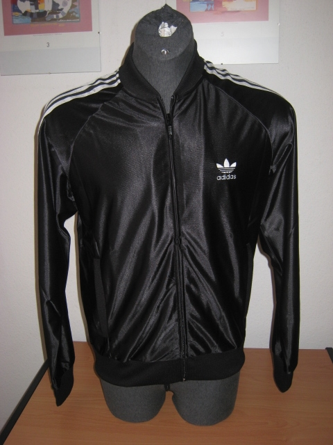 adidas new superstar trainingsjacke herren schwarz gr s. Black Bedroom Furniture Sets. Home Design Ideas